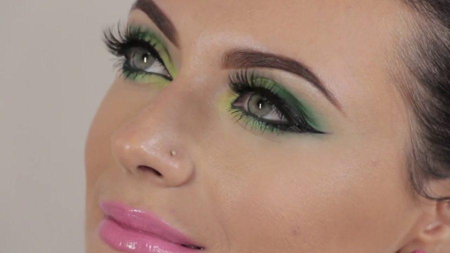 Maquillage pour yeux vert marier les couleurs - Maquillage bleu yeux marrons ...