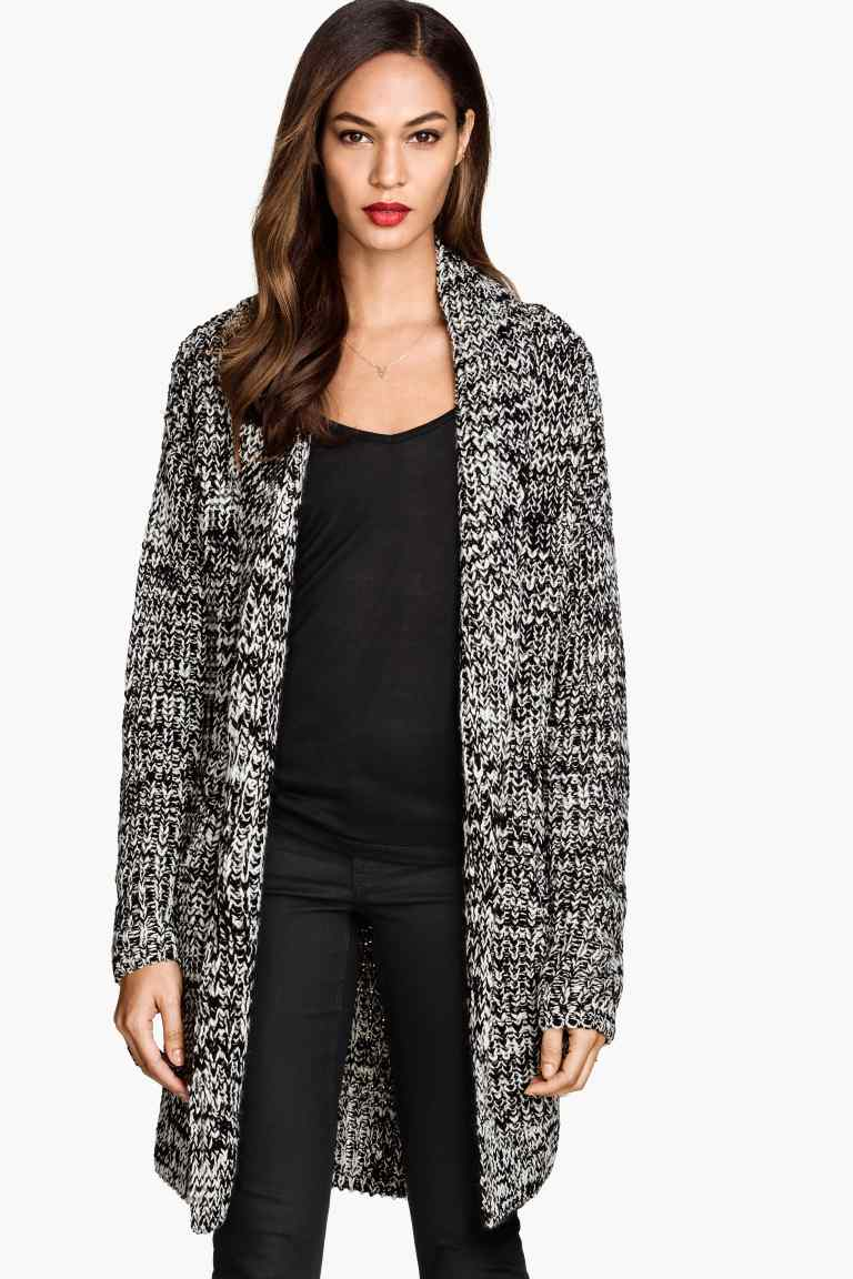 While cardigans for women are indispensable to any girl's winter wardrobe, your cardigan is just as useful for the indecisive weather of spring and autumn as well as chilly summer nights. Wear a chunky knit cardigan with a pair of trousers for a casual look or try pairing your long cardigan with a dress for a more feminine expression.