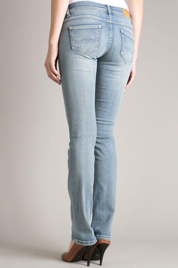 Le jeans : un choix de référence
